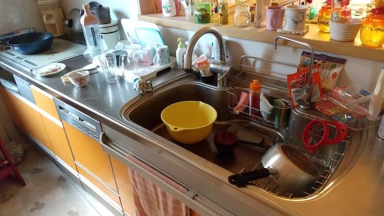 我が家のキッチンのシンク付近